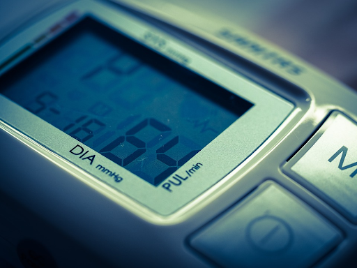 An electronic blood pressure monitor